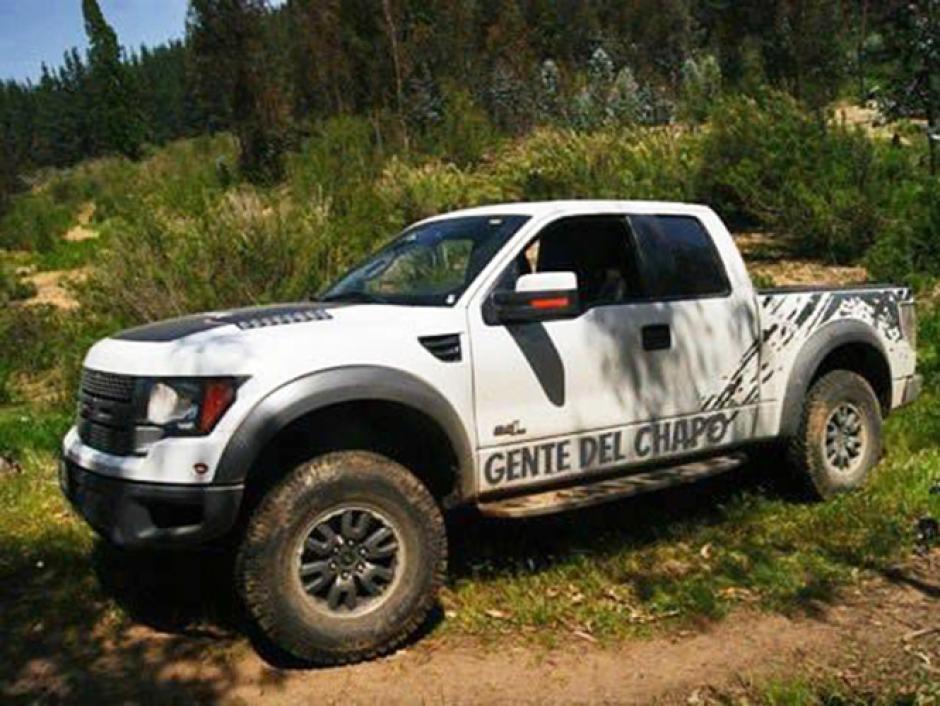 Sus automóviles han sido modificados especialmente para ellos. (Foto: excelsior.com.mx)