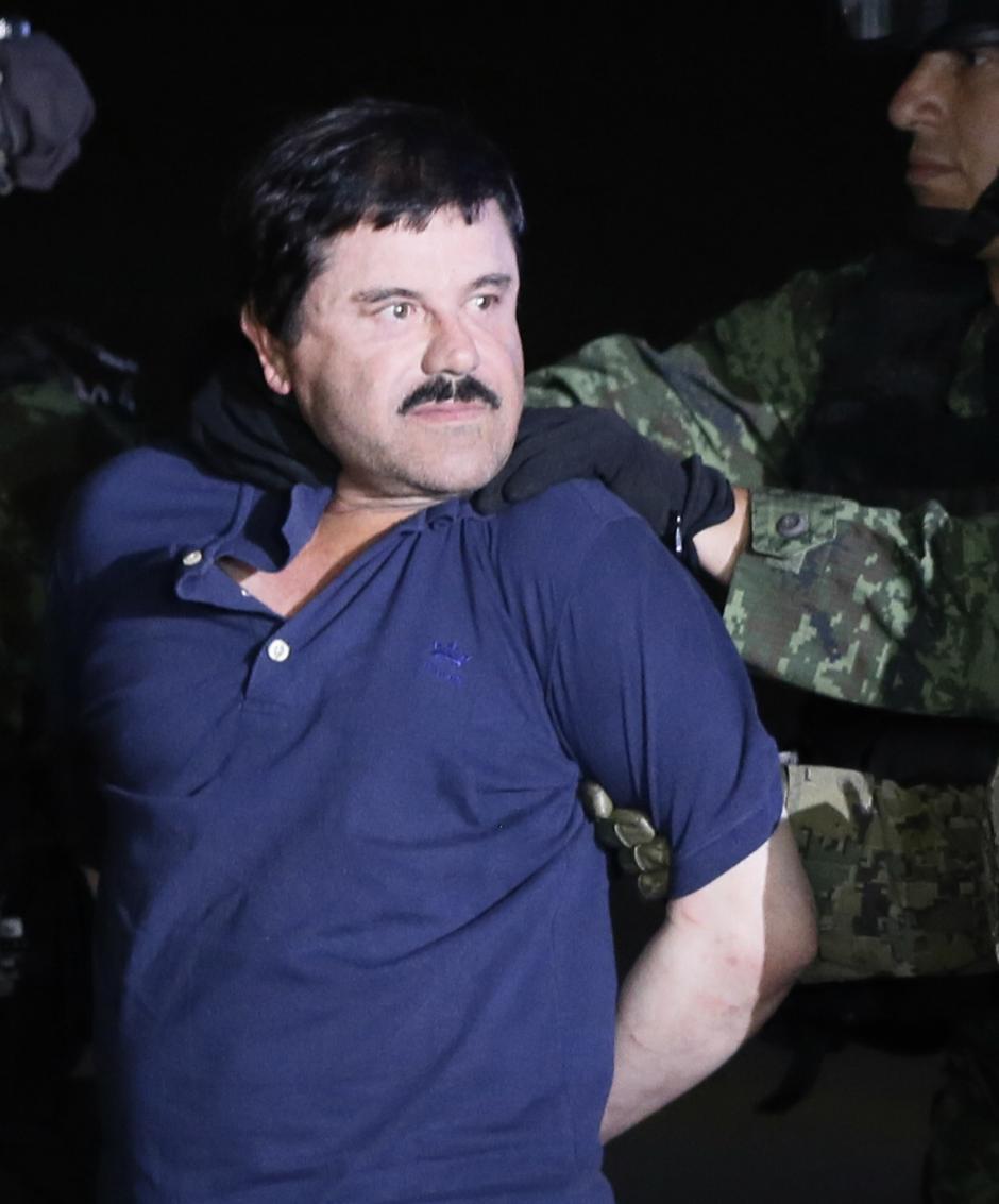 Así se vió el Chapo ayer en el Hangar Presidencial mexicano. (Foto: EFE).
