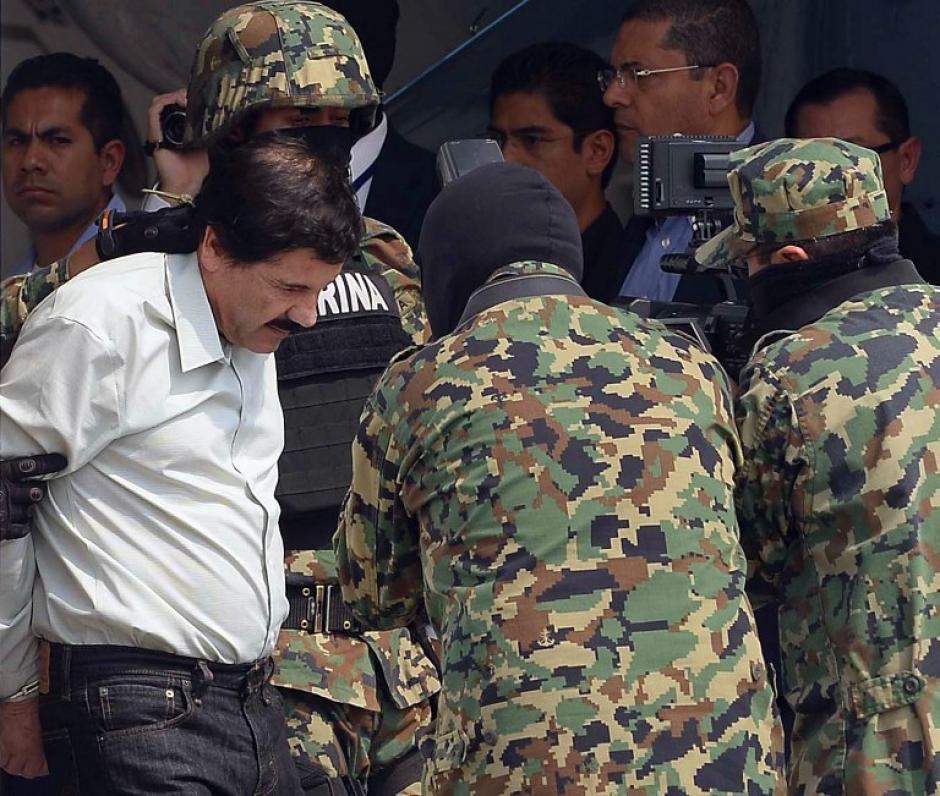"""Joaquín """"El Chapo"""" Guzmán fue trasladado al Distrito Federal este sábado luego de su captura en Mazatlán, Sinaloa. (Foto: AFP)"""