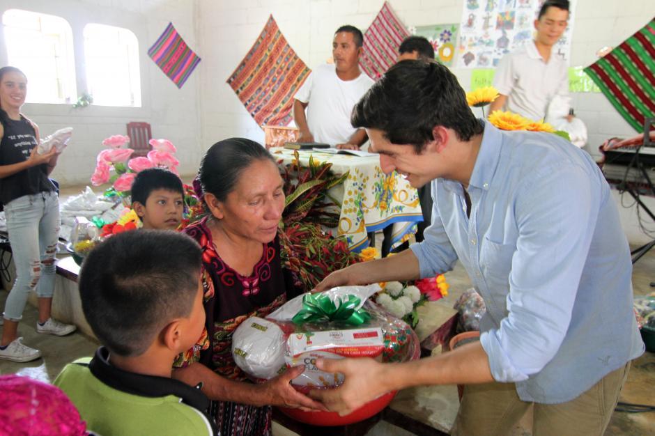Charles Fernández regresó a la comunidad maya El Tabacal