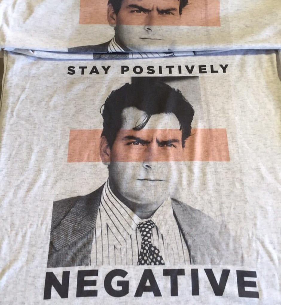 Charlie Sheen realiza una fuerte campaña de concientización. (Foto: Twitter)