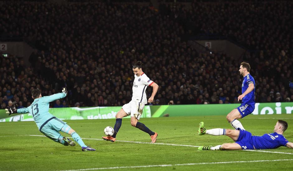 Así fue el segundo gol de Zlatan en el triunfo del PSG sobre Chelsea. (Foto: EFE)
