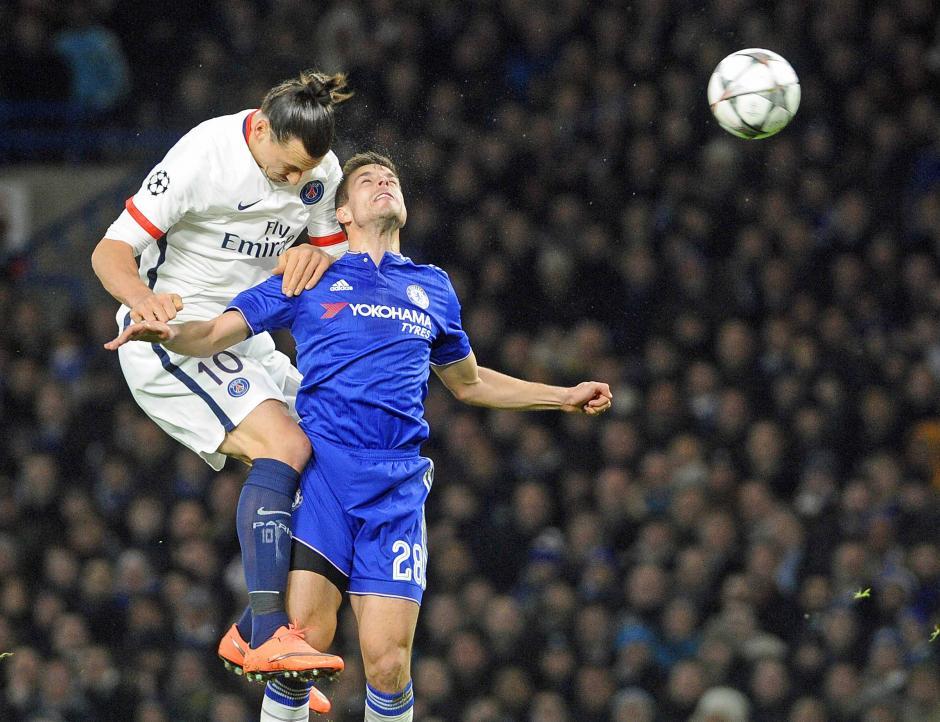 El sueco, Ibrahimovic, comandó el ataque del PSG en el juego de vuelta de los octavos de final de la Champions League. (Foto: EFE)