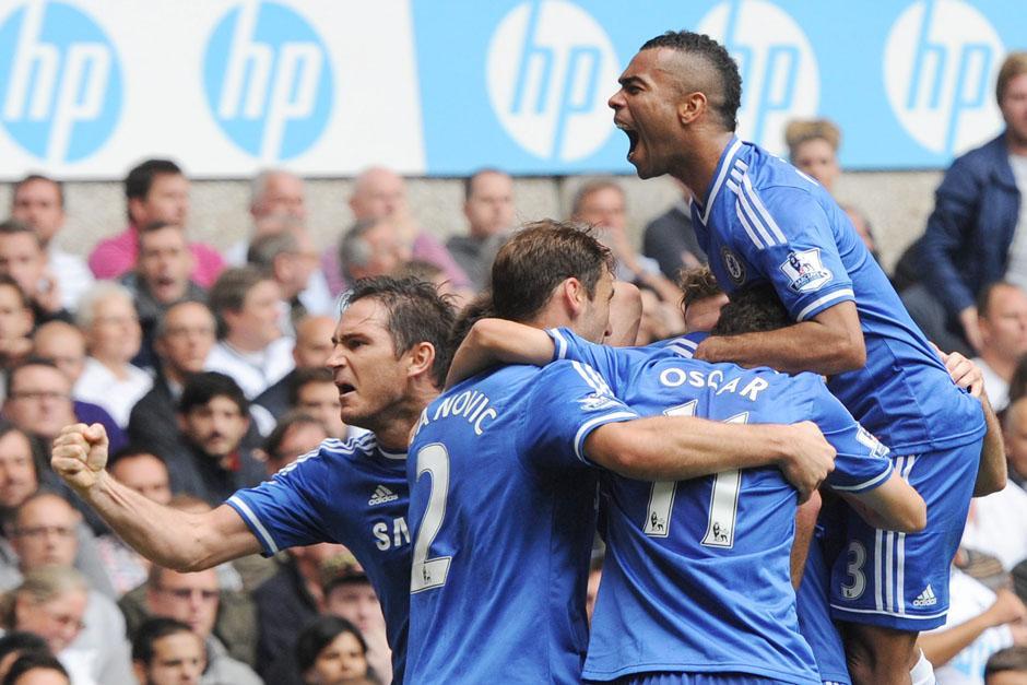 Los jugadores del Chelsea celebran el empate ante el Tottenham.