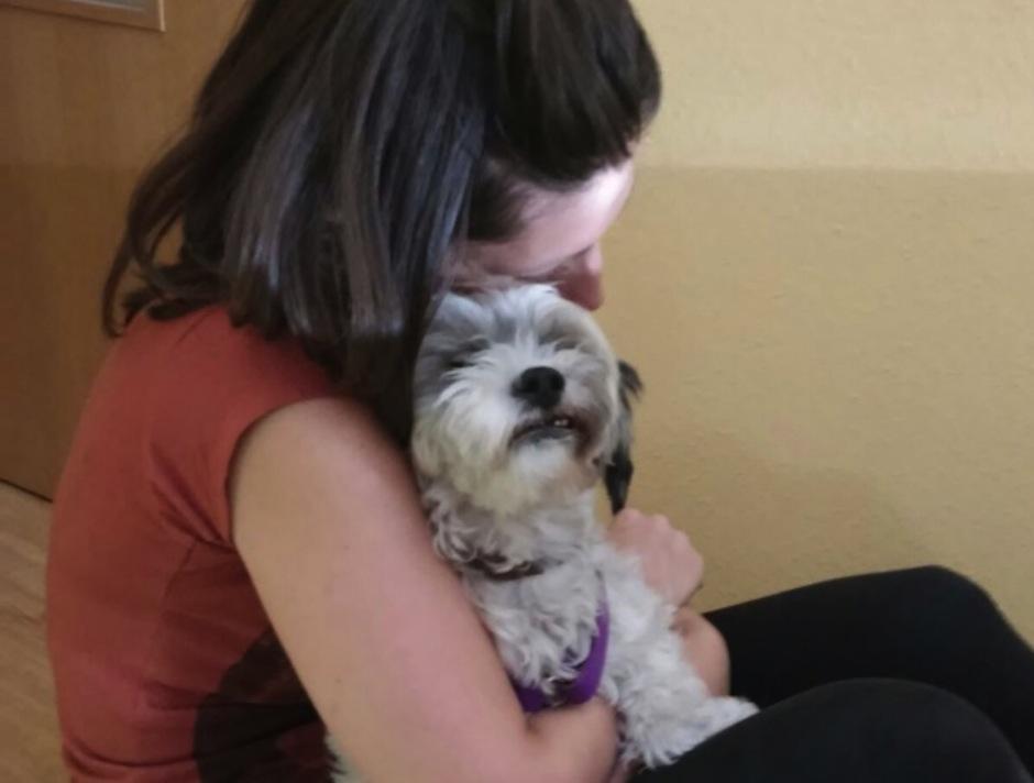 Carmen muñoz comparte una gran lección acerca de la adopción de animales. (El País)