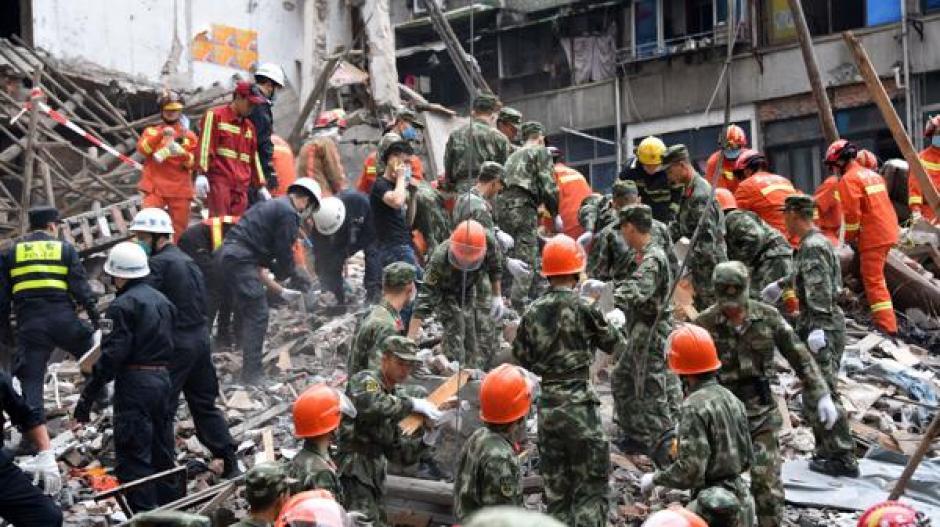 Se desconoce qué originó el derrumbe informaron los medios locales. (Foto: AFP)