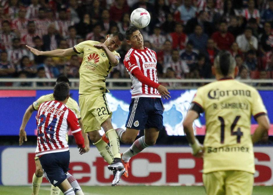 Chivas peligra con el tema del descenso, no logra levantar su rumbo. (Foto: EFE)