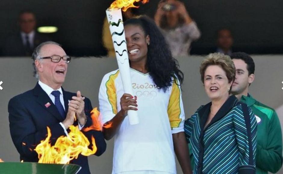 Llama olímpica llega a Brasil