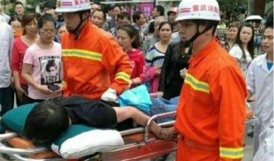 El hombre fue estabilizado e internado tras el accidente sufrido. (Foto: shanghaiist.com)