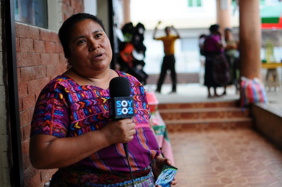 Rufina Alvarado, una de las beneficiarias, relata que el programa ha sido de gran beneficio. (Foto: Alejandro Balán/Soy502)
