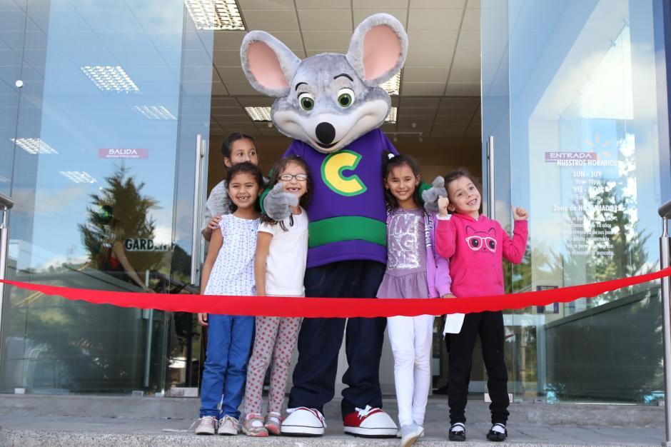 Las nuevas instalaciones de Chuck E. Chesse están ubicadas en Condado Concepción. (Foto Alejandro Balán/Soy502)