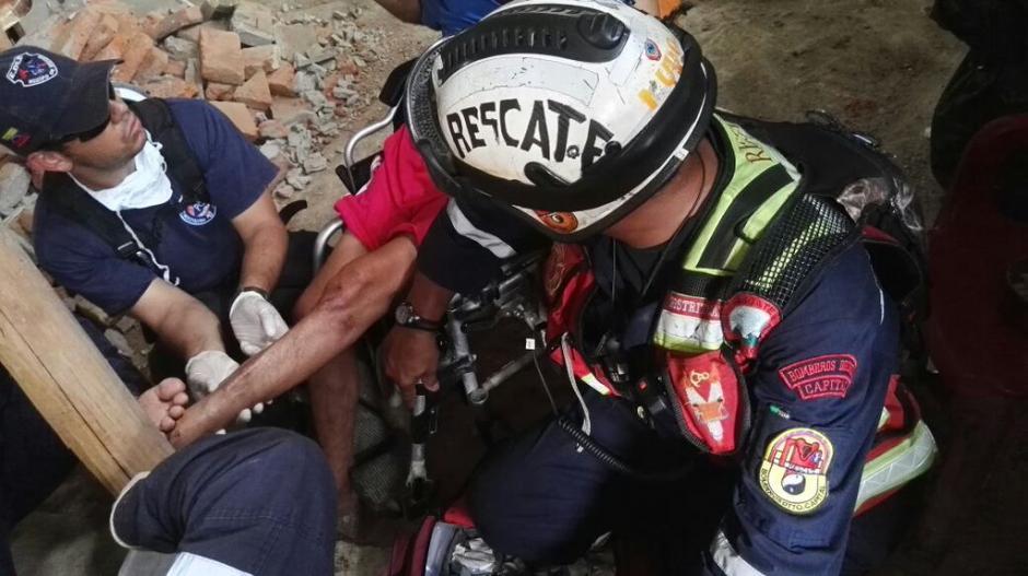 Manuel Vásquez fue rescatado de una estructura parcialmente colapsada. (Foto: Twitter/@contrapuntovzla)