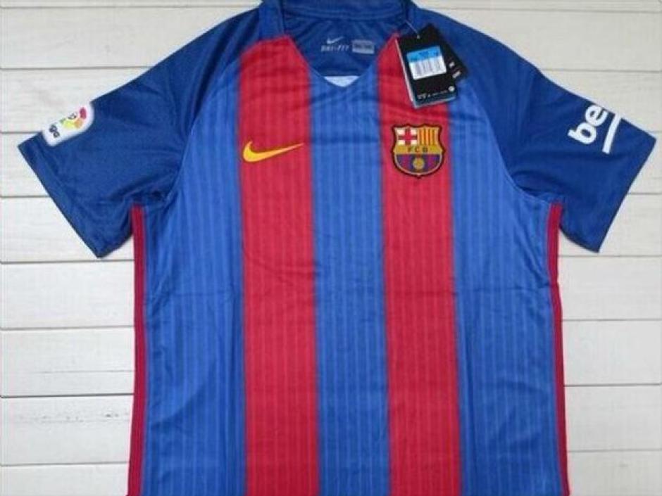 La camisola de Barcelona podría costar entre 700 y 800 quetzales. (Foto: Twitter)