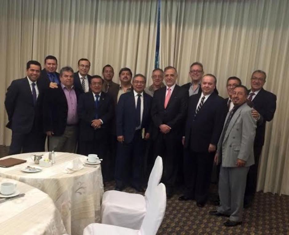 Casualmente el comisionado Iván Velásquez se reunió está mañana con el sector evangélico del país.  (Foto: cortesía: Asociación Ministros Apostólicos)