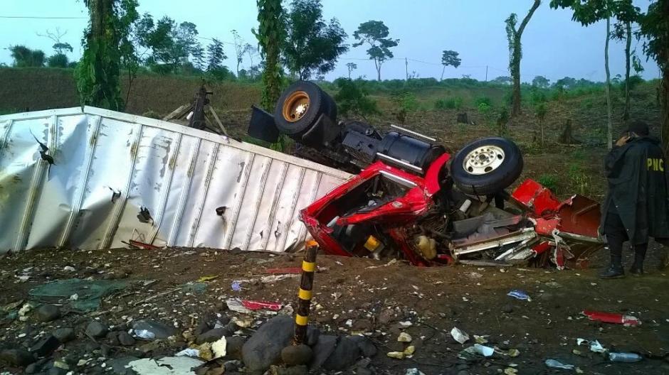 Dos heridos en accidente de tránsito en Colomba Costa Cuca, Quetzaltenango. (Foto: Twitter/ @calin_sandoval)
