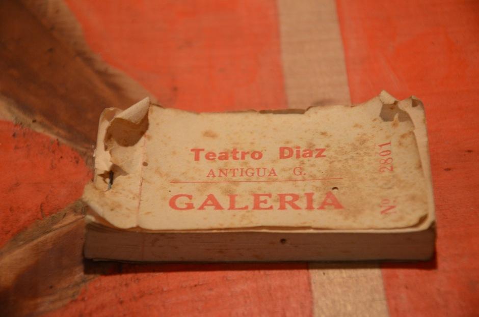 """""""La casa del río"""" guarda tesoros invaluables que narran la historia del cine-teatro Díaz, en Antigua Guatemala (Foto: Selene Mejía/Soy502)"""