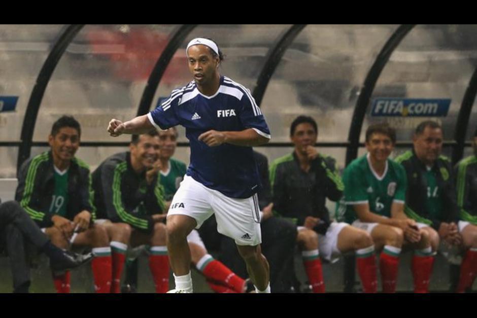 Ronaldinho jugó hace unos días un partido de exhibición en México. (Foto: Twitter)