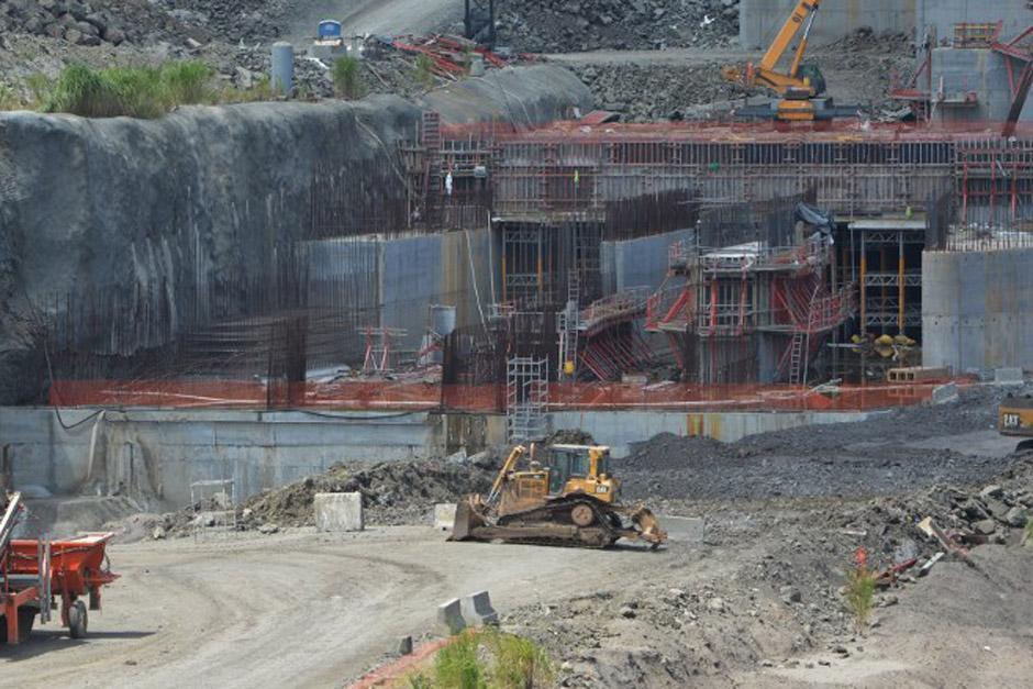Toda la maquinaria quedó a la deriva como si hubiera sido abandonada a toda prisa (Foto: AFP)