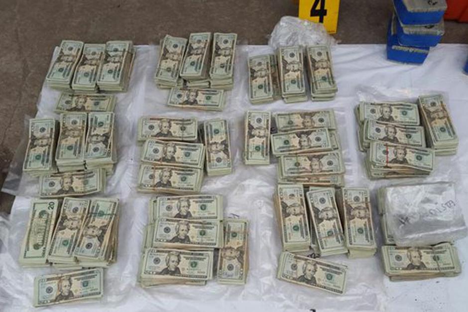 El MP ha contabilizado más de 335 mil dólares en efectivo, en billetes de 20. (Foto: MP)