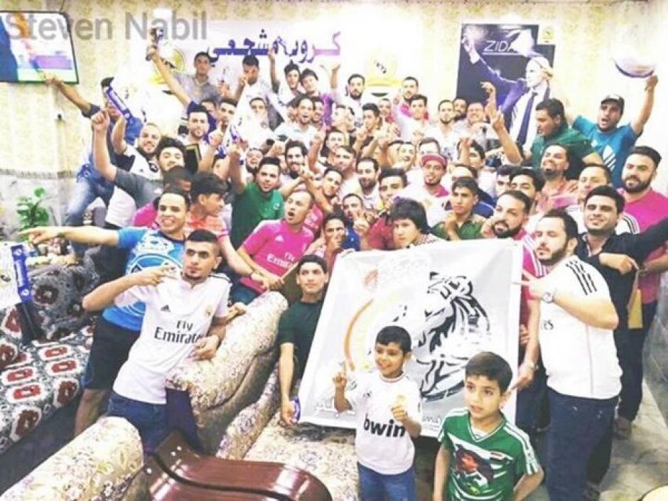 La última foto de la peña del Real Madrid reunida en Balad, Irak. (Foto: Steven Nabil)