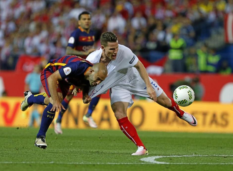 Mascherano fue expulsado por cortar una jugada manifiesta de gol. (Foto: Getty)