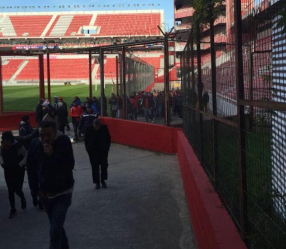Las barras en Argentina superan los límites hasta de la impunidad. (Foto: Twitter)
