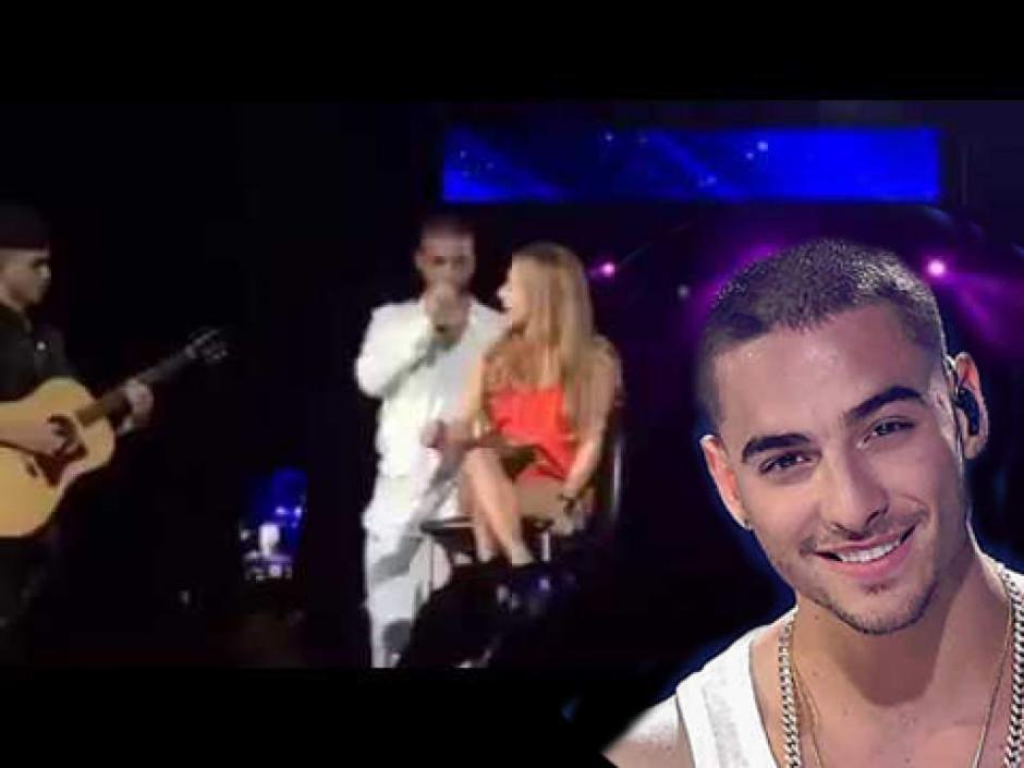 La chica le dijo al cantante que tenía novio, por lo que Maluma la invitó a bajar del escenario. (Captura Youtube)