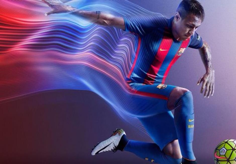 El brasileño, Neymar, fue uno de los emblemas de presentación de la nueva camisola. (Foto: Twitter)