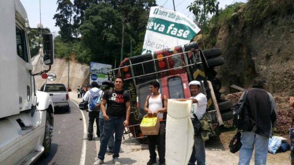 Al menos 15 personas resultaron heridas en un accidente de tránsito en la Ruta Interamericana. (Foto: @EmixtraPablo)