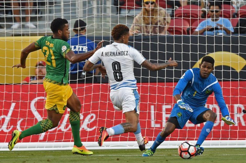 Uruguay hizo más por la victoria frente a Jamaica. (Foto: EFE)
