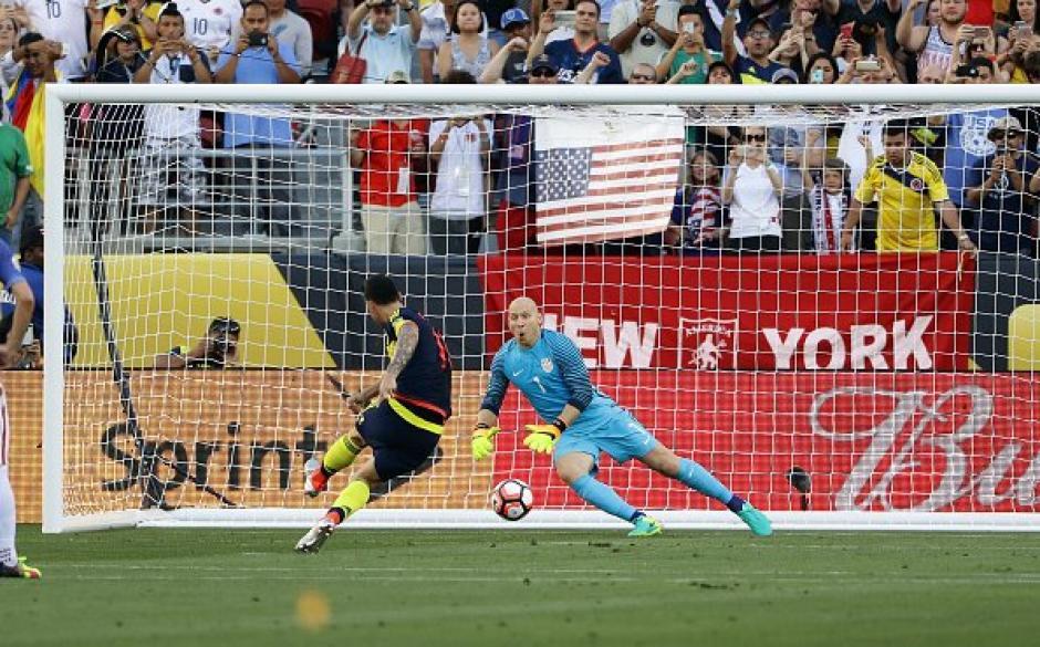 Así fue el gol de penal de James Rodríguez. (Foto: Conmebol)