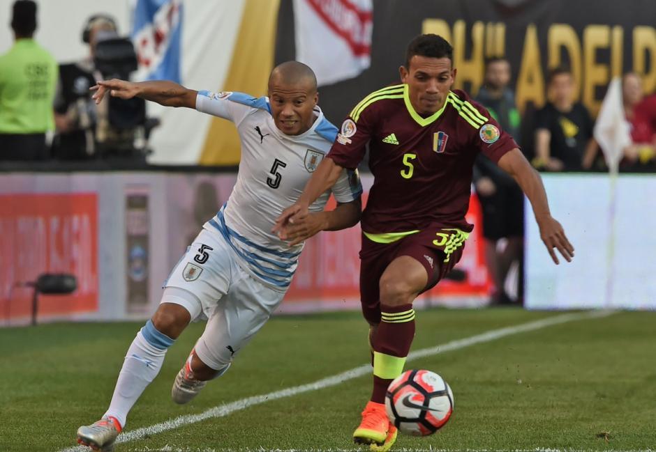 Venezuela superó y casi eliminó a Uruguay en la Copa América Centenario. (Foto: EFE)
