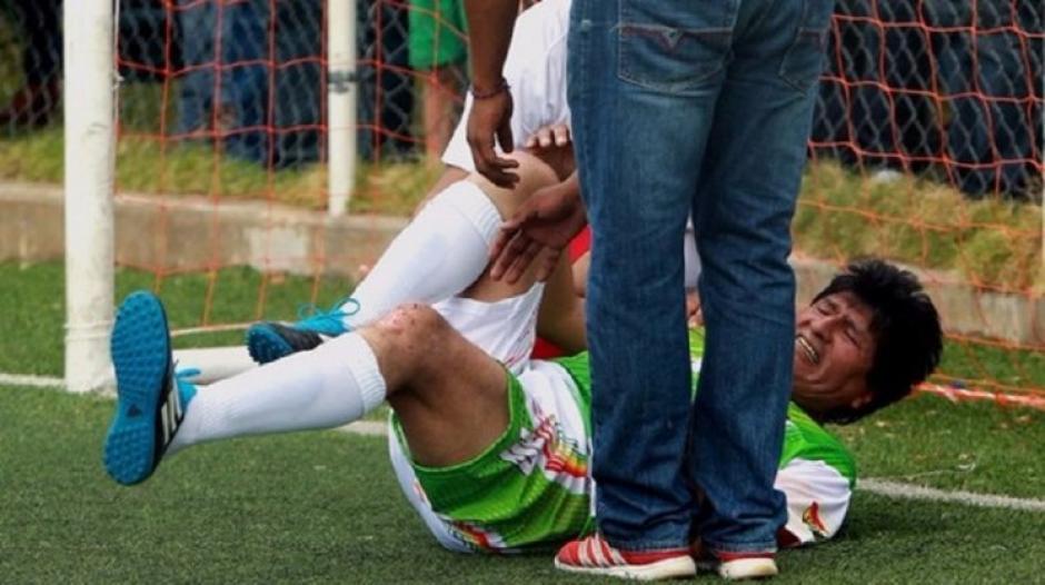 Evo Morales tuvo una lesión de ligamentos cruzados en su rodilla izquierda