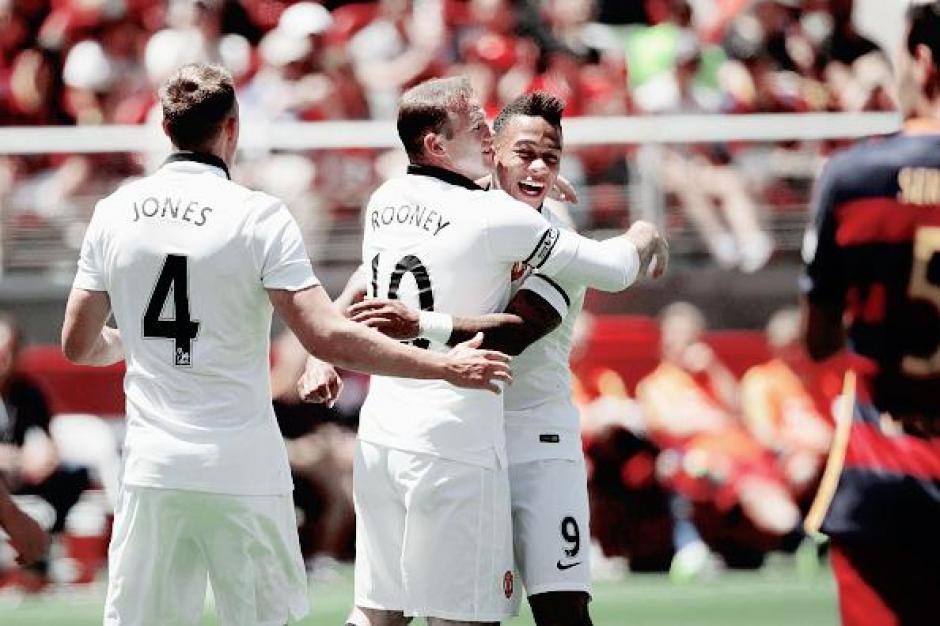 Rooney anota gol contra el barcelona foto