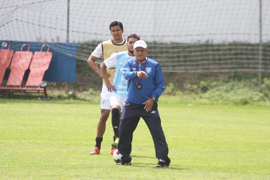 Claverí fue reconocido por los mismos jugadores por su forma de trabajar y de enseñar en la cancha. (Foto: Soy502)