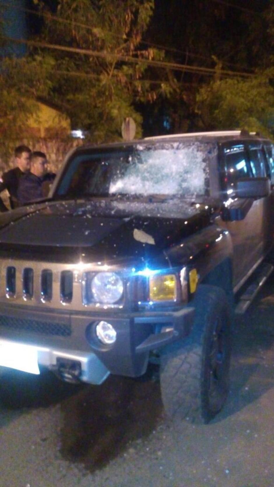 "Así quedó la camioneta blindadadonde viajaba capo narco ""Sadam"" Toumani en Paraguay. (Foto: ABC)"
