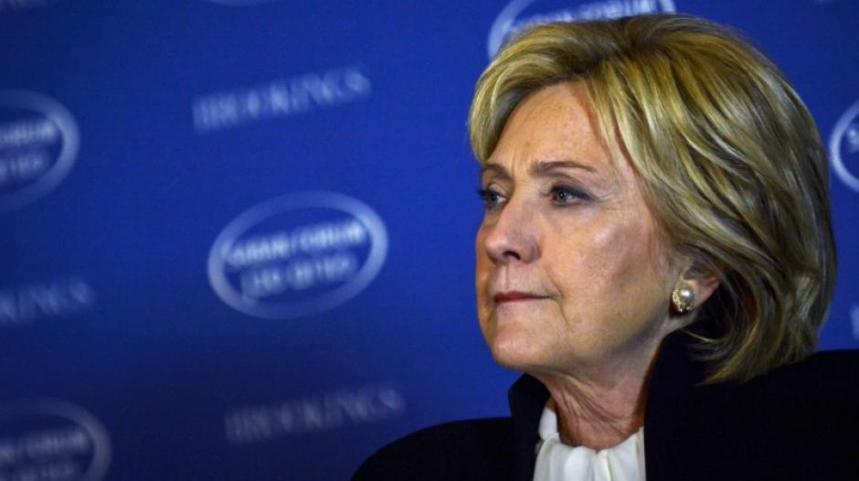 Mientras Hillary Clintón ya felicitó a Donald Trump, la juventud demócrata busca culpables por la derrota. (Foto: elpolitico.com)