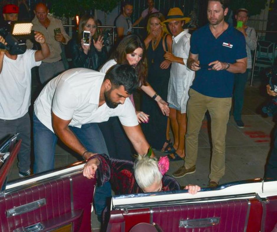 Lady Gaga caída foto