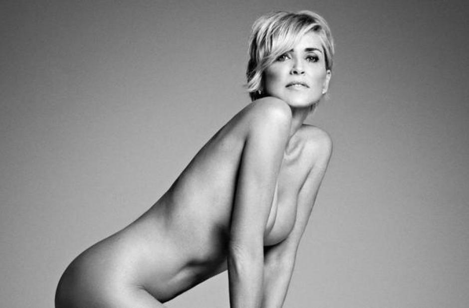 A los 57 años, Sharon Stone, luce espectacular al posar al desnudo para una revista. (Foto: Harper's Bazar)