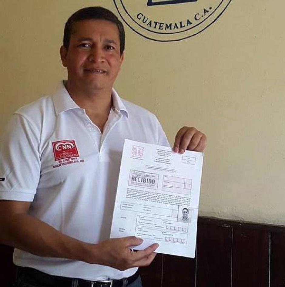 Alonzo Ochoa se postula por el partidco Corazón Nueva Nación. Su principal propuesta es la creación de pasos a desnivel y puentes en zonas de alta movilidad vehicular. (Foto: Facebook Alonzo Ochoa)