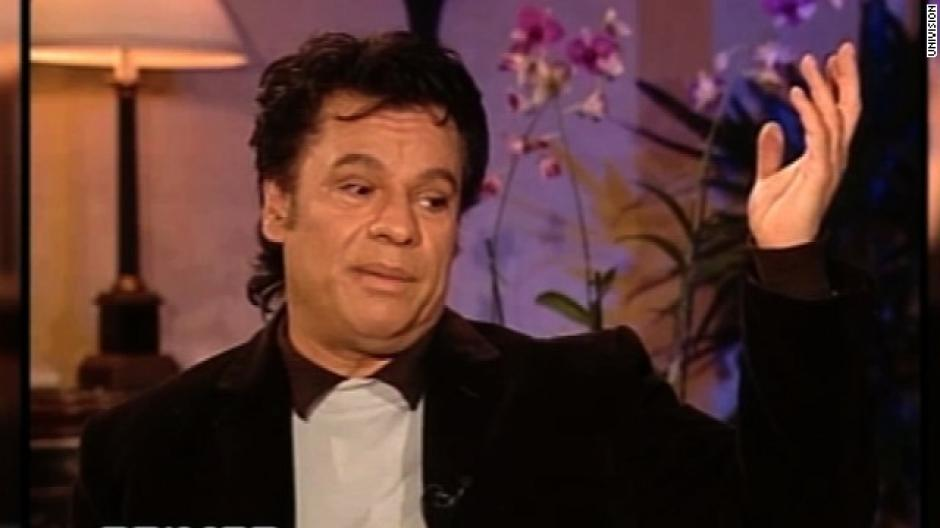 Juan Gabriel dio una entrevista polémica a Fernando del Rincón en 2002. (Foto: cnnespanol.com)
