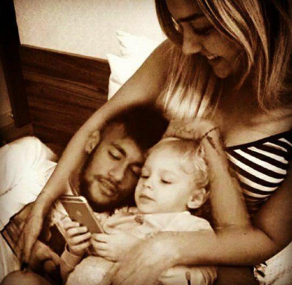 Neymar y Carolina Dantas son los padres de Davi Lucca. (Foto: Instagram)