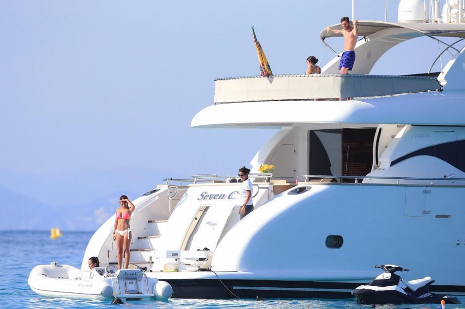 Los yates de Messi y CR7 está separados solo por el muelle en la Marina Botafoch. (Foto: Obola)