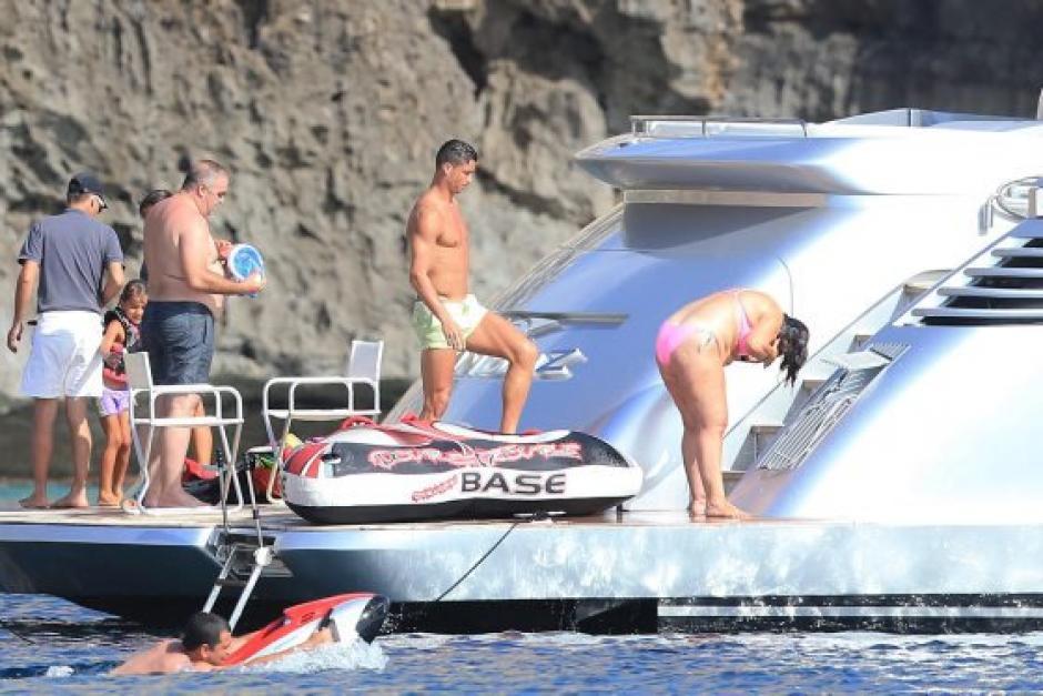 Cristiano Ronaldo vuelve a Ibiza para compatir con su familia. (Foto: Sport)
