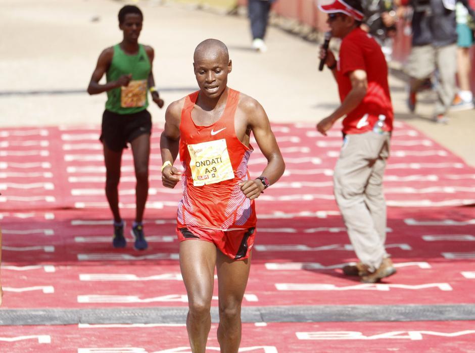 Rodgers Ondati también de Kenia, quedó cuarto en la rama masculina. (Foto: Sports and Marketing)