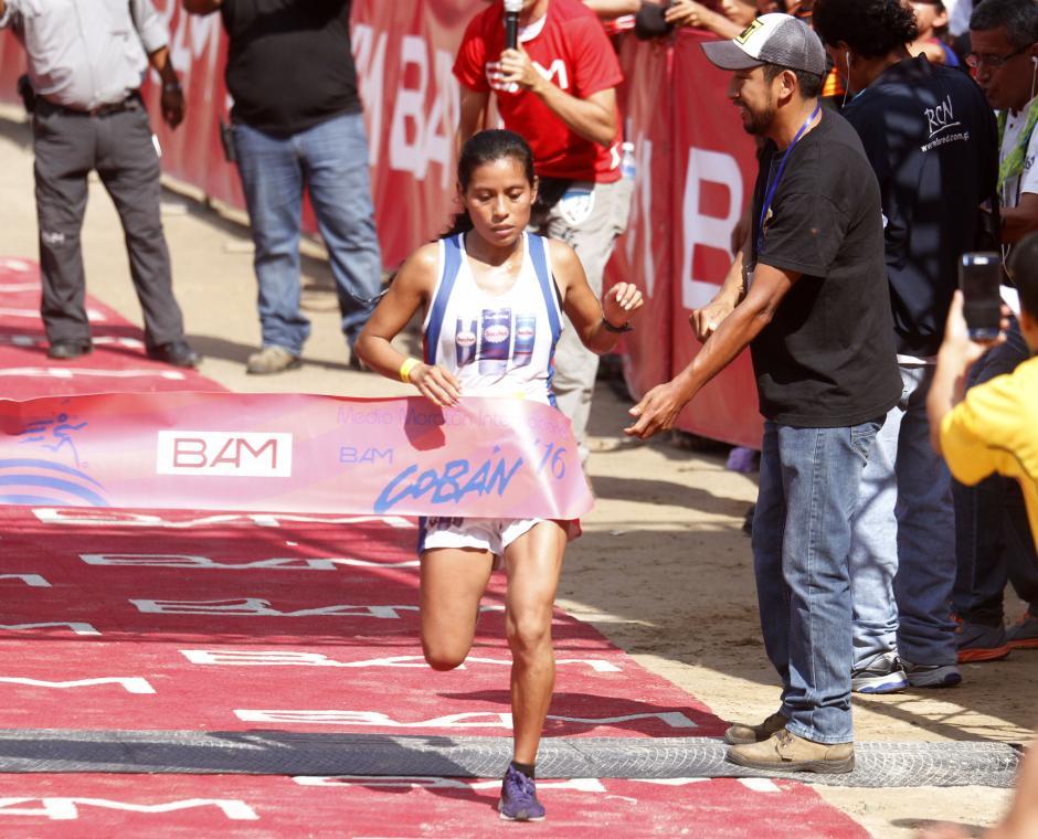 Merlin Chalí fue la mejor guatemalteca en el Medio Maratón. (Foto: Sports and Marketing)