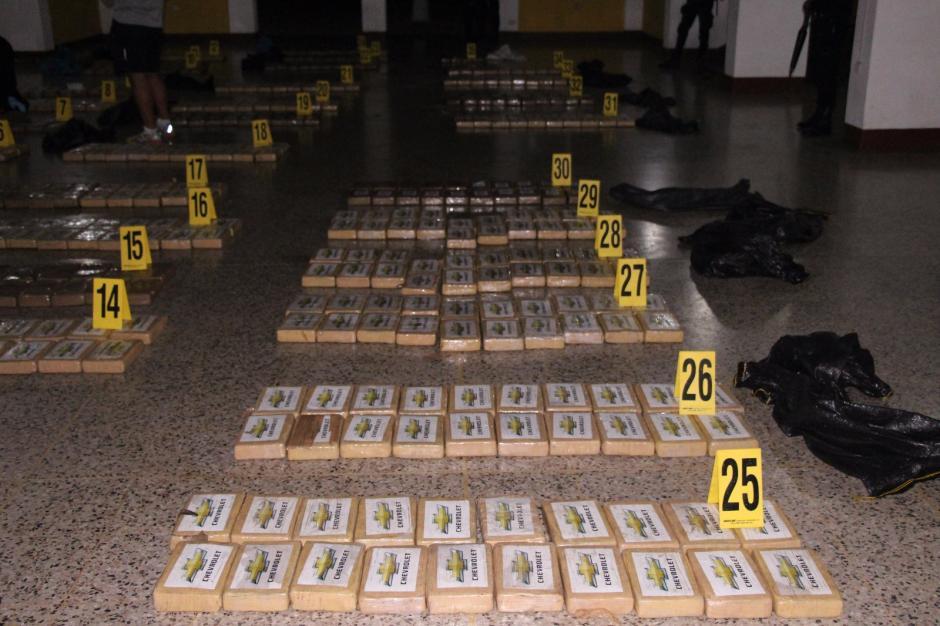 El primer decomiso de cocaína en Guatemala fue de 683 kilos informó la PNC y MP. (Foto: PNC)