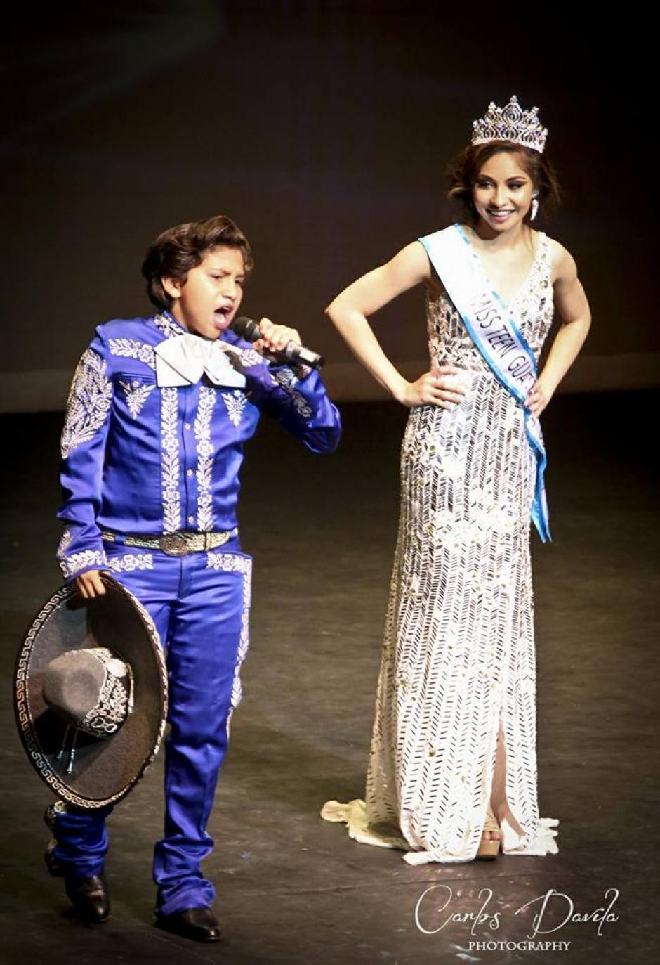 Su hermana es Miss Teen Guatemala US a quien le cantó en la coronación. (Foto: Miss Teen Guatemala US)