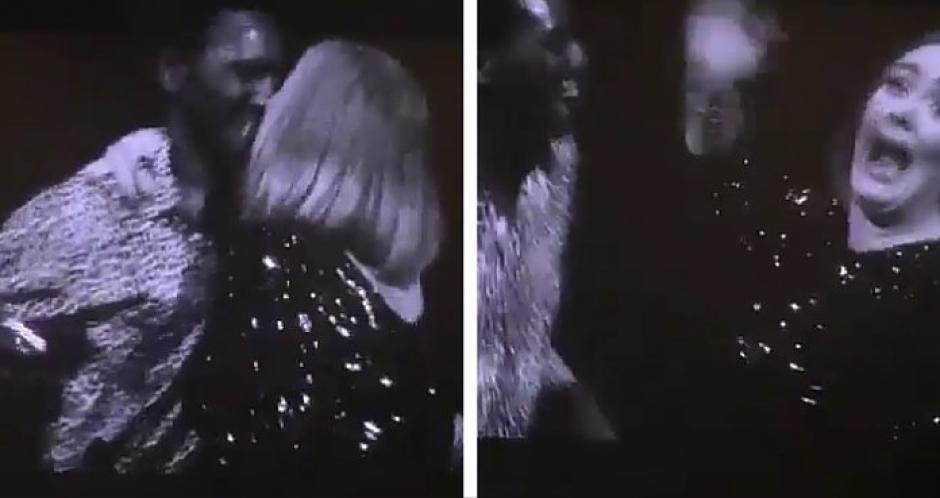 El muchacho y la cantante no se dieron cuenta y toparon sus labios. Todo quedó grabado por otros fanáticos. (Foto: Daily Mail)