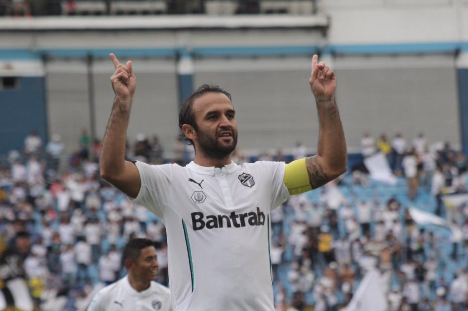 José Contreras anotó un gol de tiro libre y se lo dedicó a su hija recién nacida. (Foto: Comunicaciones.com)